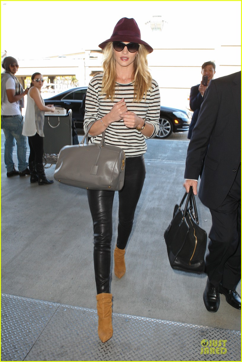 rosie huntington whiteley lax arrival after new orleans trip 11