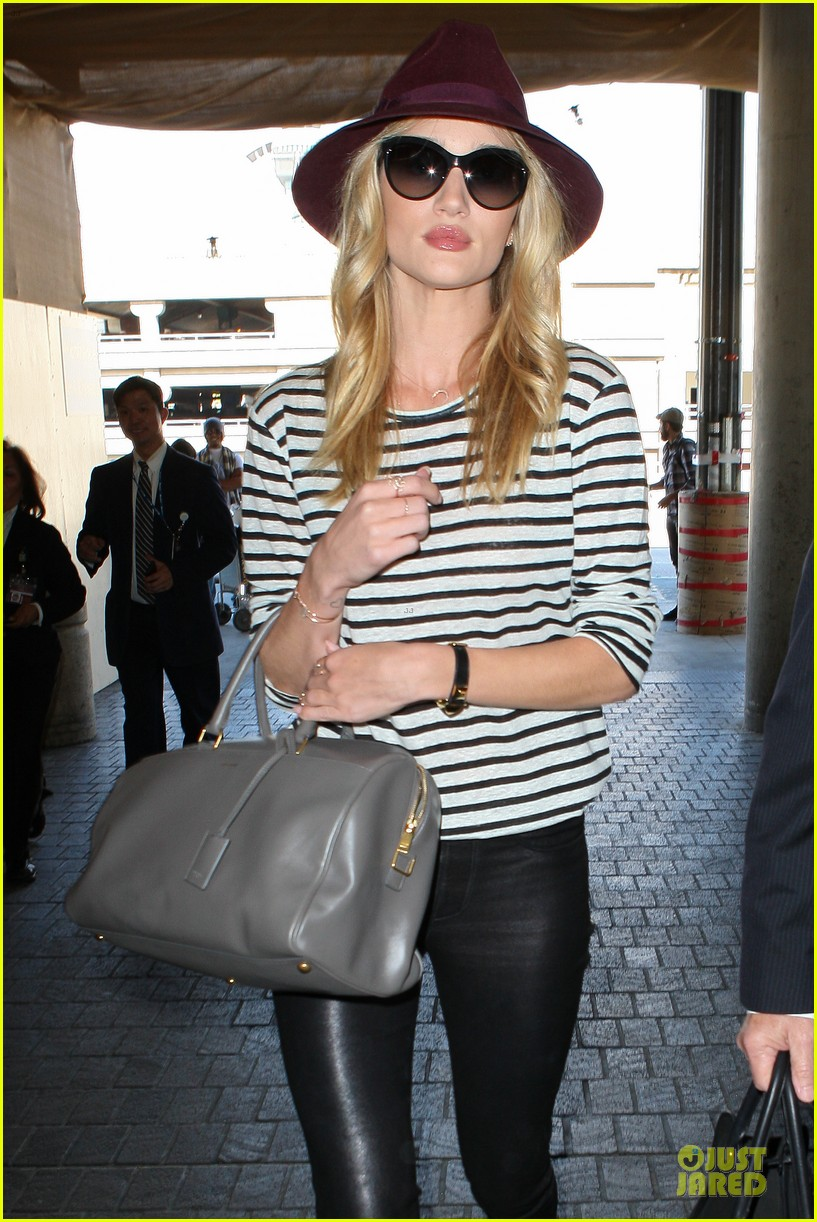 rosie huntington whiteley lax arrival after new orleans trip 13