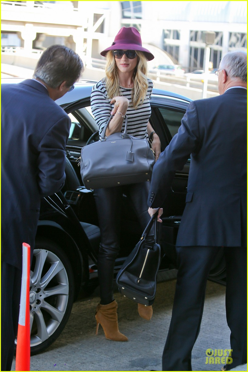 rosie huntington whiteley lax arrival after new orleans trip 15