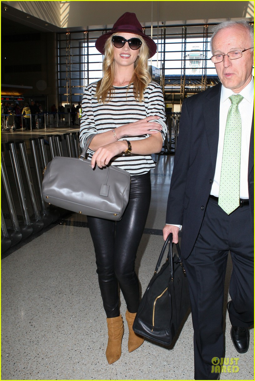 rosie huntington whiteley lax arrival after new orleans trip 182851149