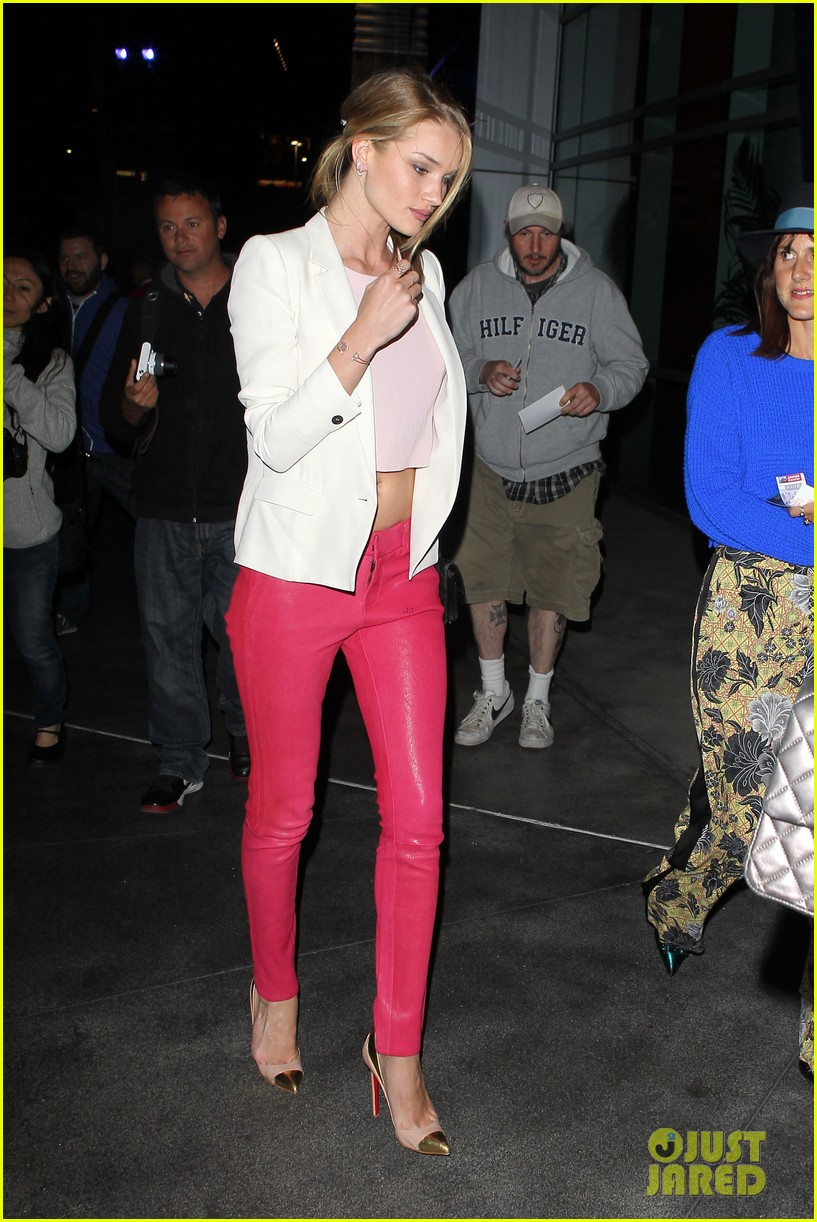 rosie huntington whiteley rihanna concert night out 112846078