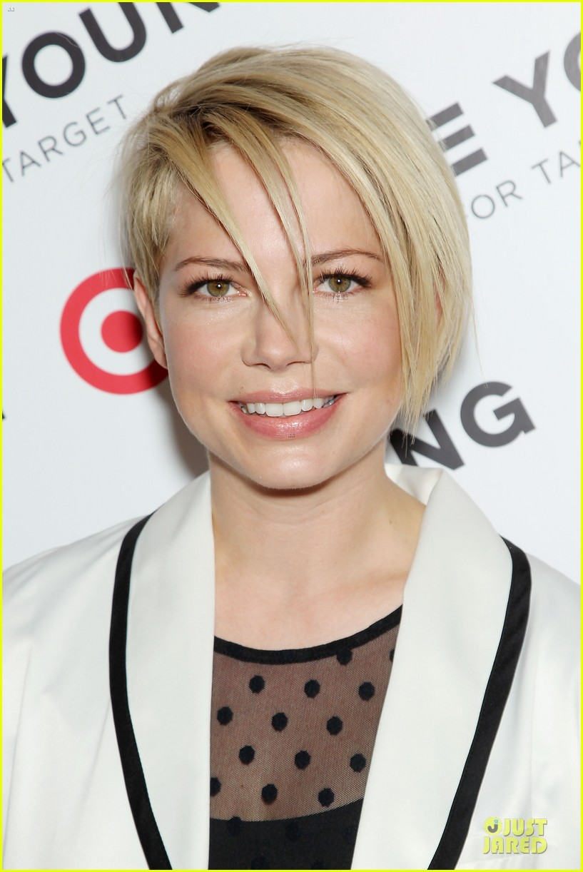 michelle williams haircut debut at kate young for target launch 02