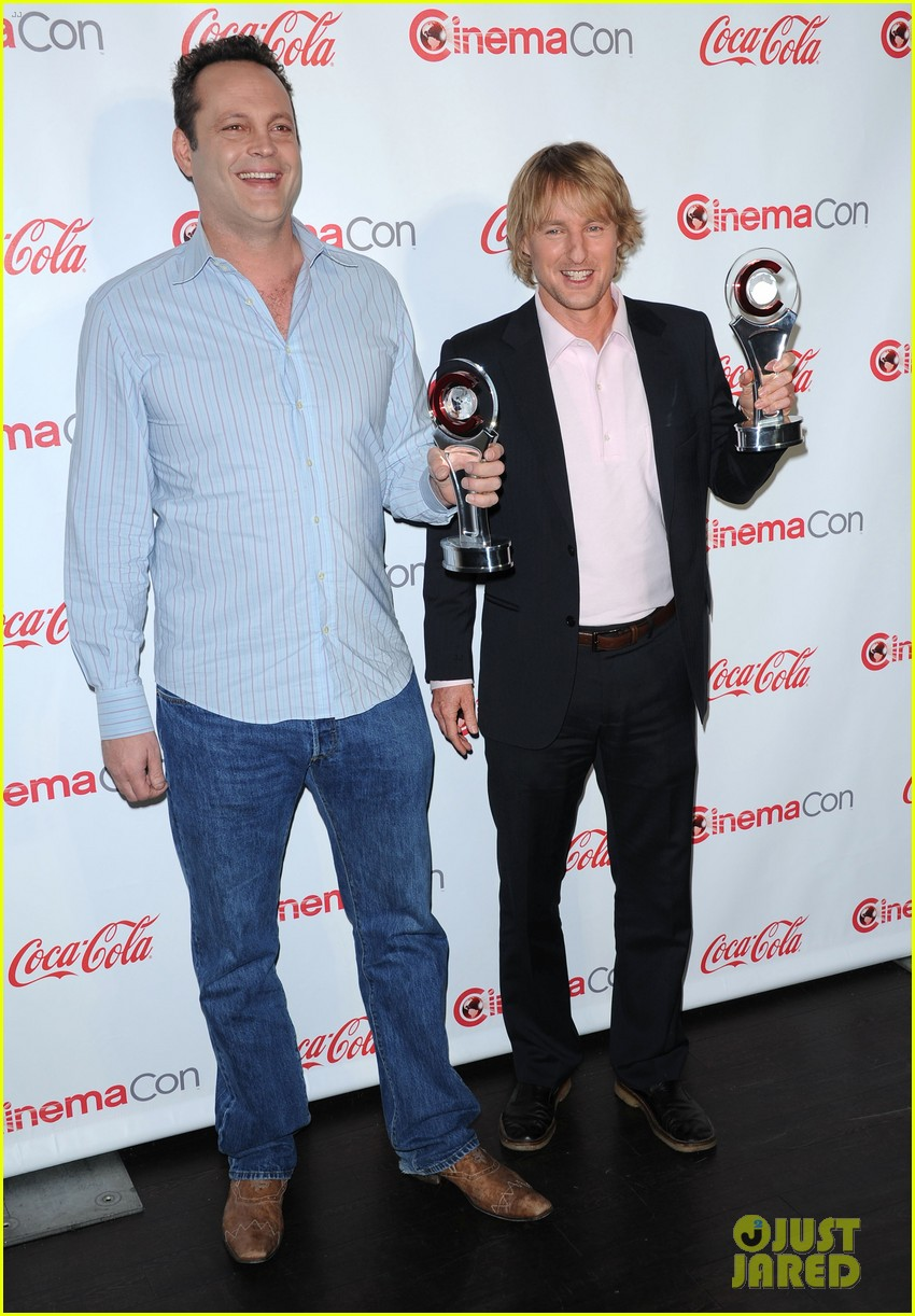 owen wilson vince vaughn cinemacon award winners 01