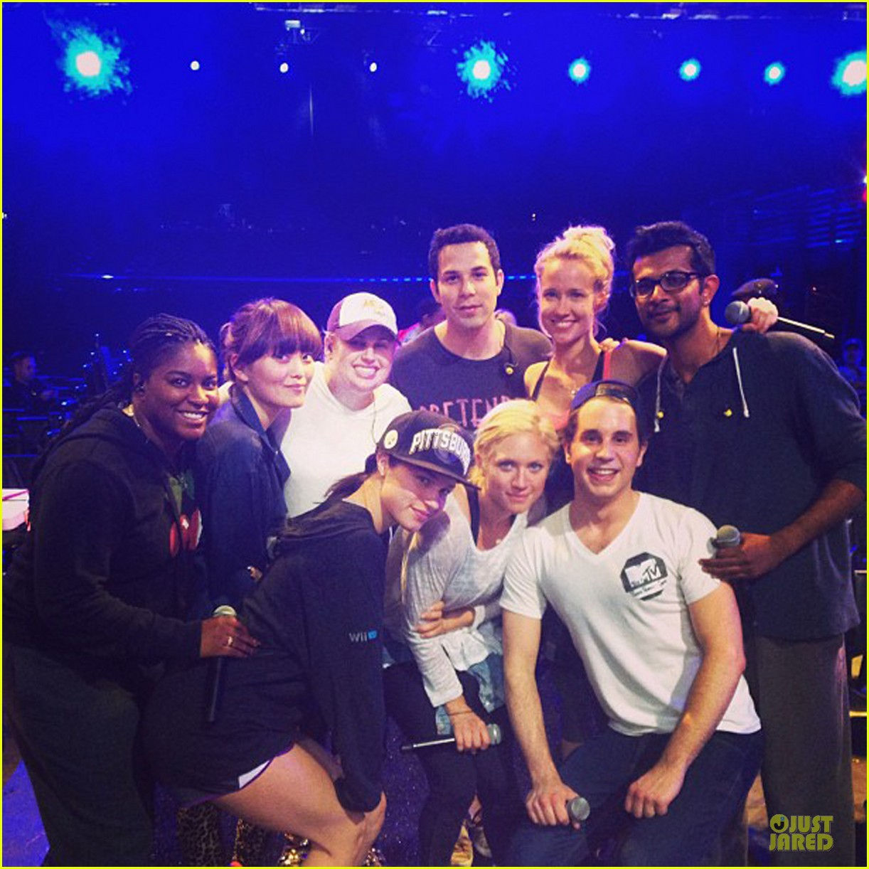 rebel wilson mtv movie awards 2013 rehearsal with pitch perfect cast 052848612