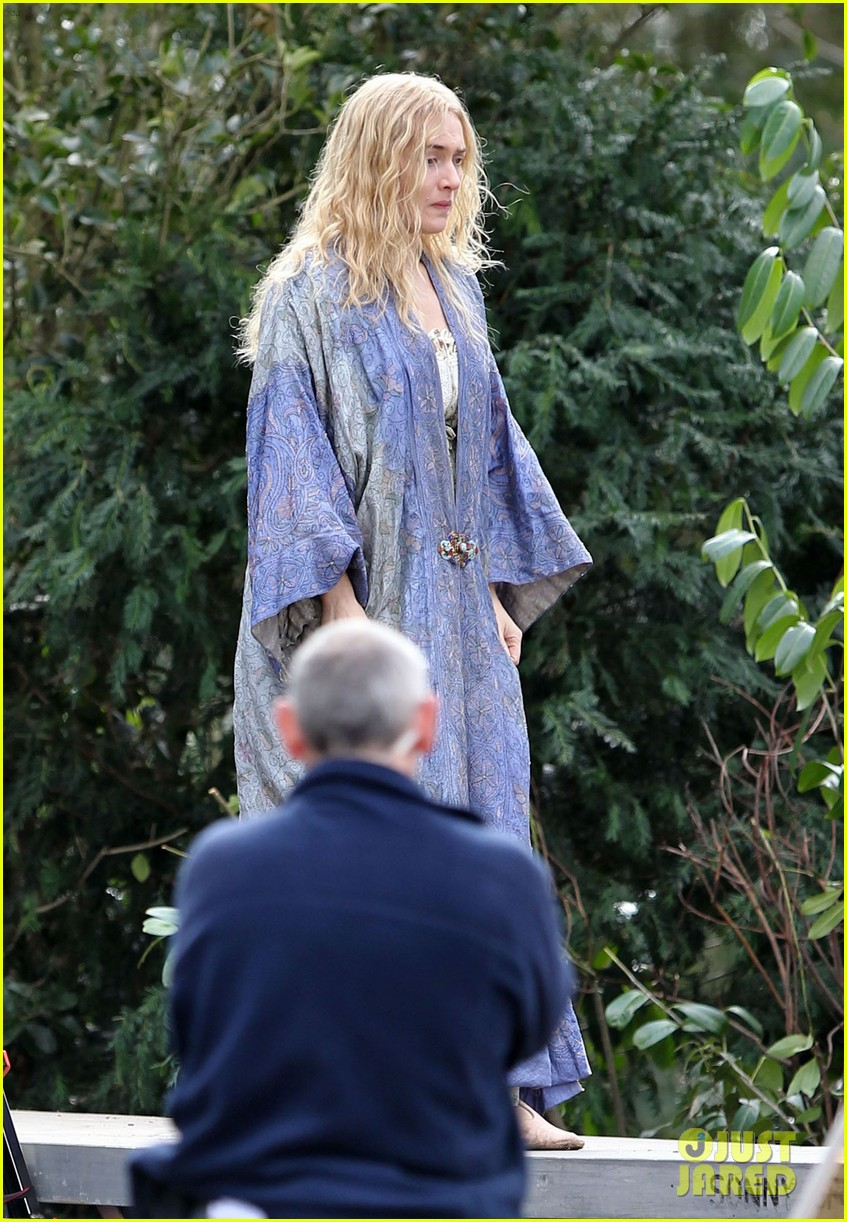 kate winslet a little chaos set with alan rickman 012855628
