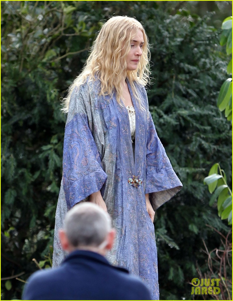 kate winslet a little chaos set with alan rickman 03