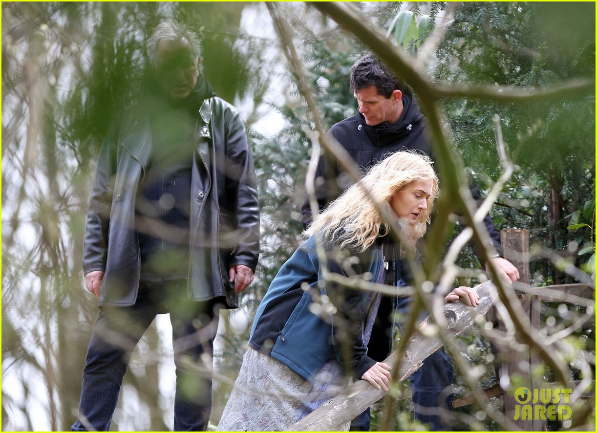 kate winslet a little chaos set with alan rickman 072855634