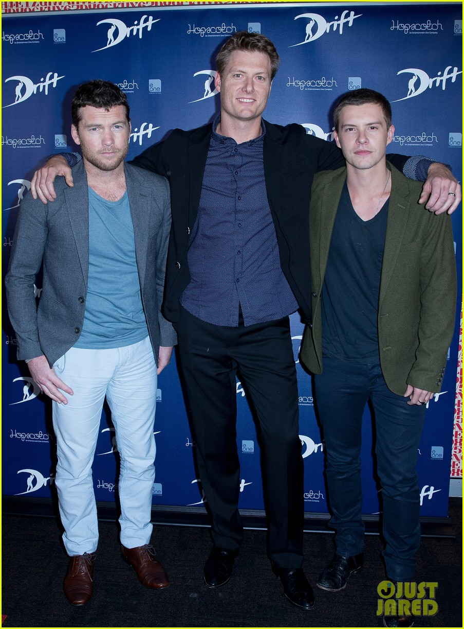 sam worthington xavier samuel drift sydney photo call 012850644