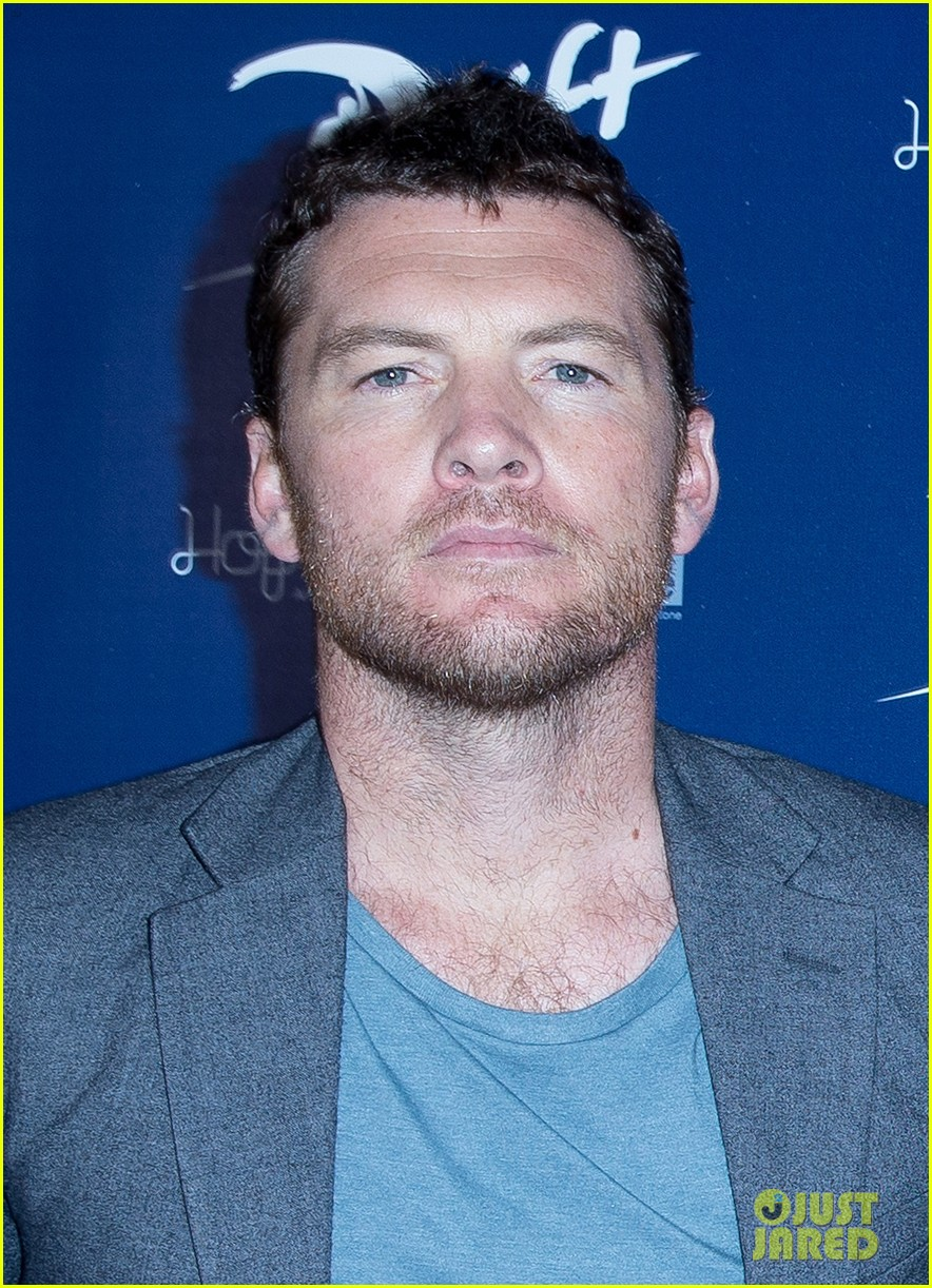 sam worthington xavier samuel drift sydney photo call 06