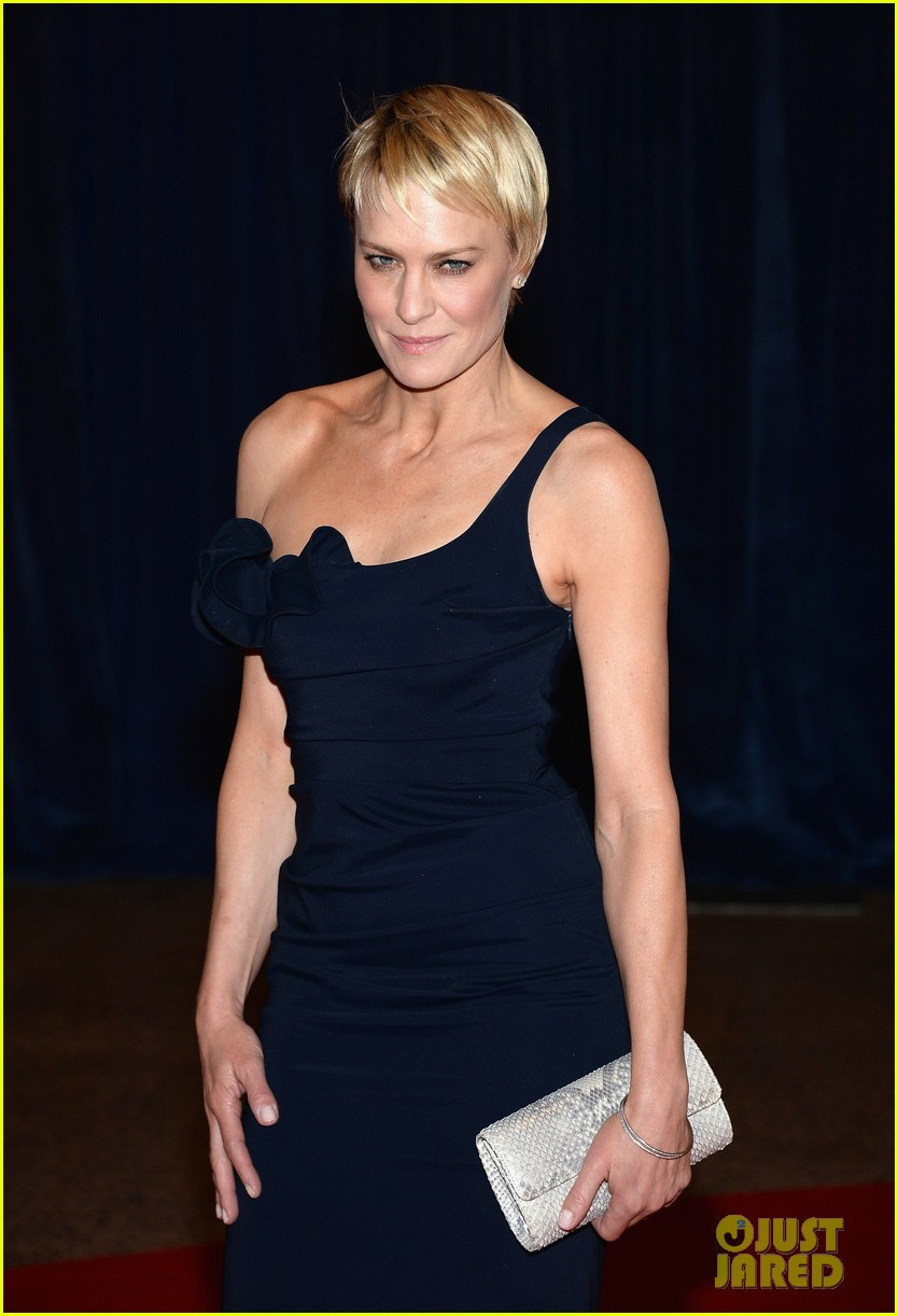 robin wright white house correspondents dinner 2013 022859638