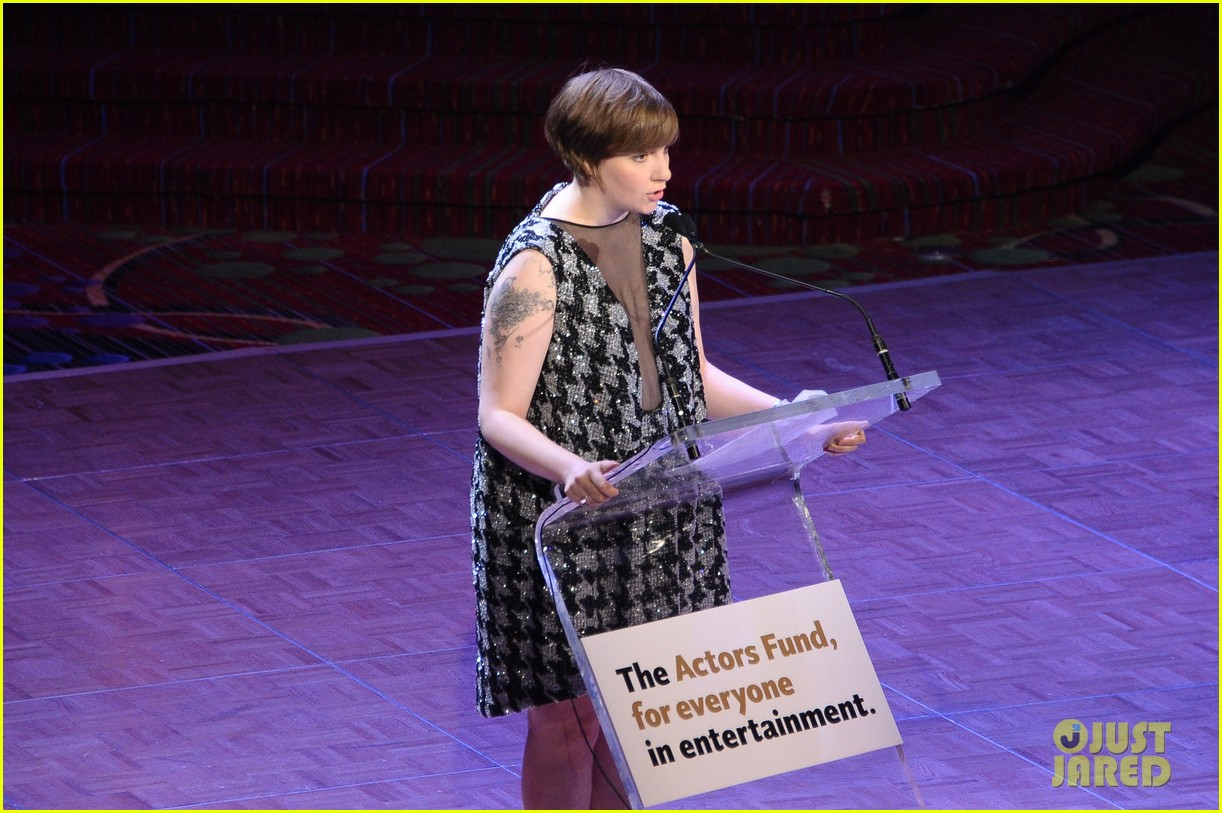lena dunham presents at actors fund zosia mamet films girls 062861286