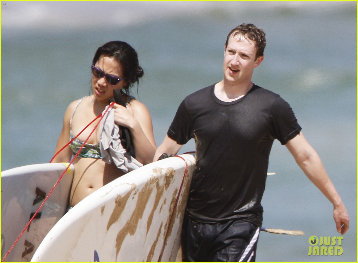 mark zuckerberg priscilla chan surfing in hawaii 042858131