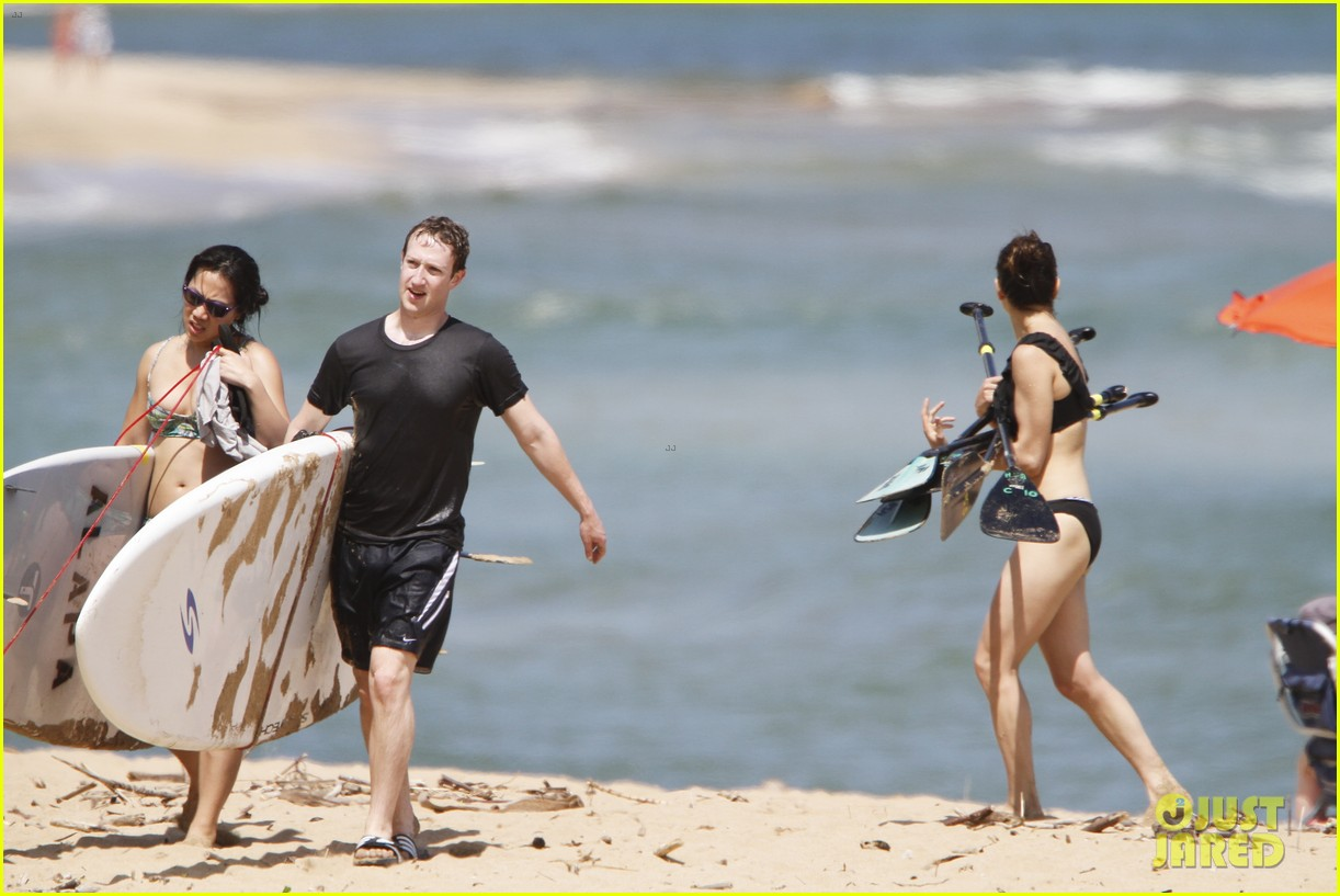 mark zuckerberg priscilla chan surfing in hawaii 08