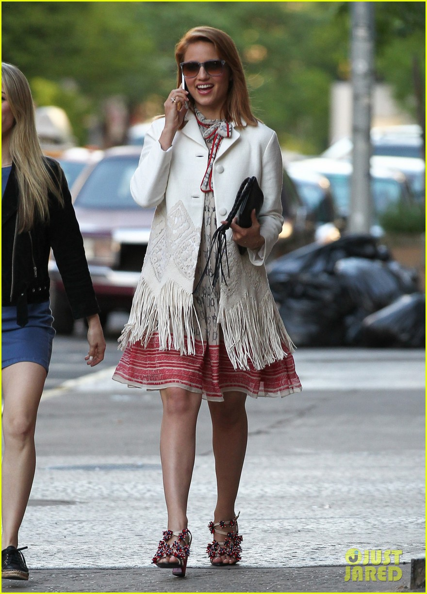 dianna agron proud of jenna ushkowitz book 052873060