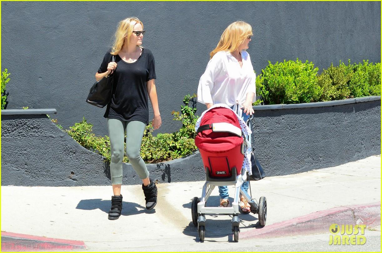 malin akerman kristen bell new mamas in hollywood 132870610