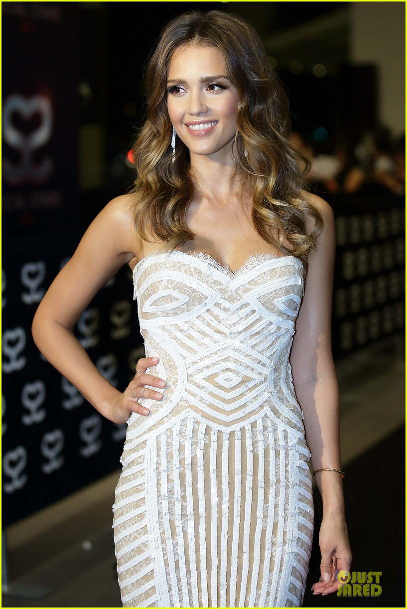 jessica alba carly rae jepsen social star awards 072876916