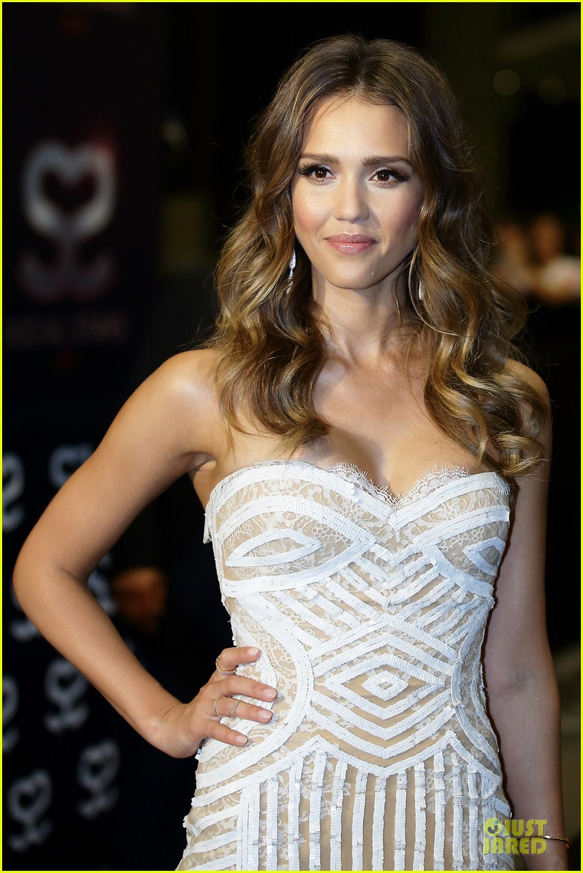 jessica alba carly rae jepsen social star awards 082876917
