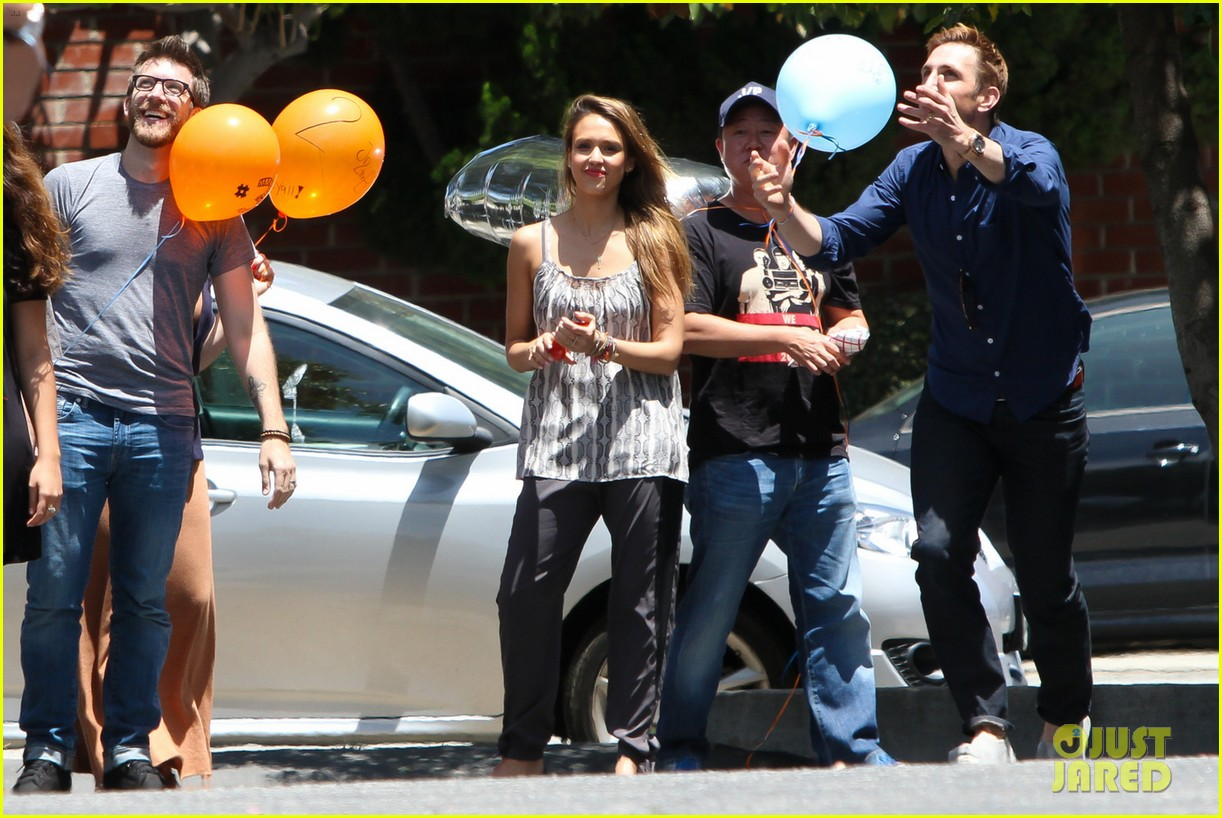 jessica alba cycling fundraiser for baby2baby 032870717