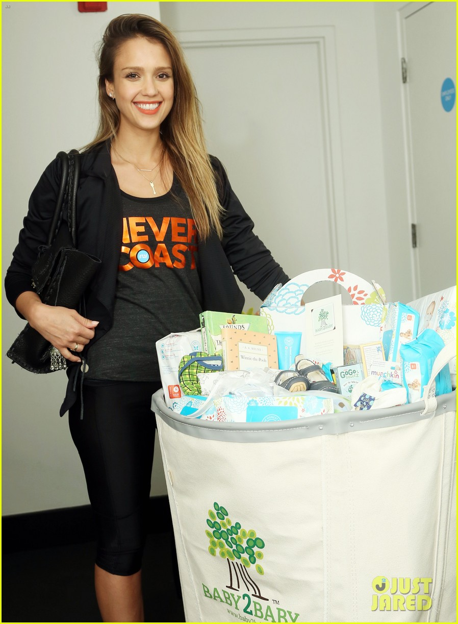 jessica alba cycling fundraiser for baby2baby 112870725