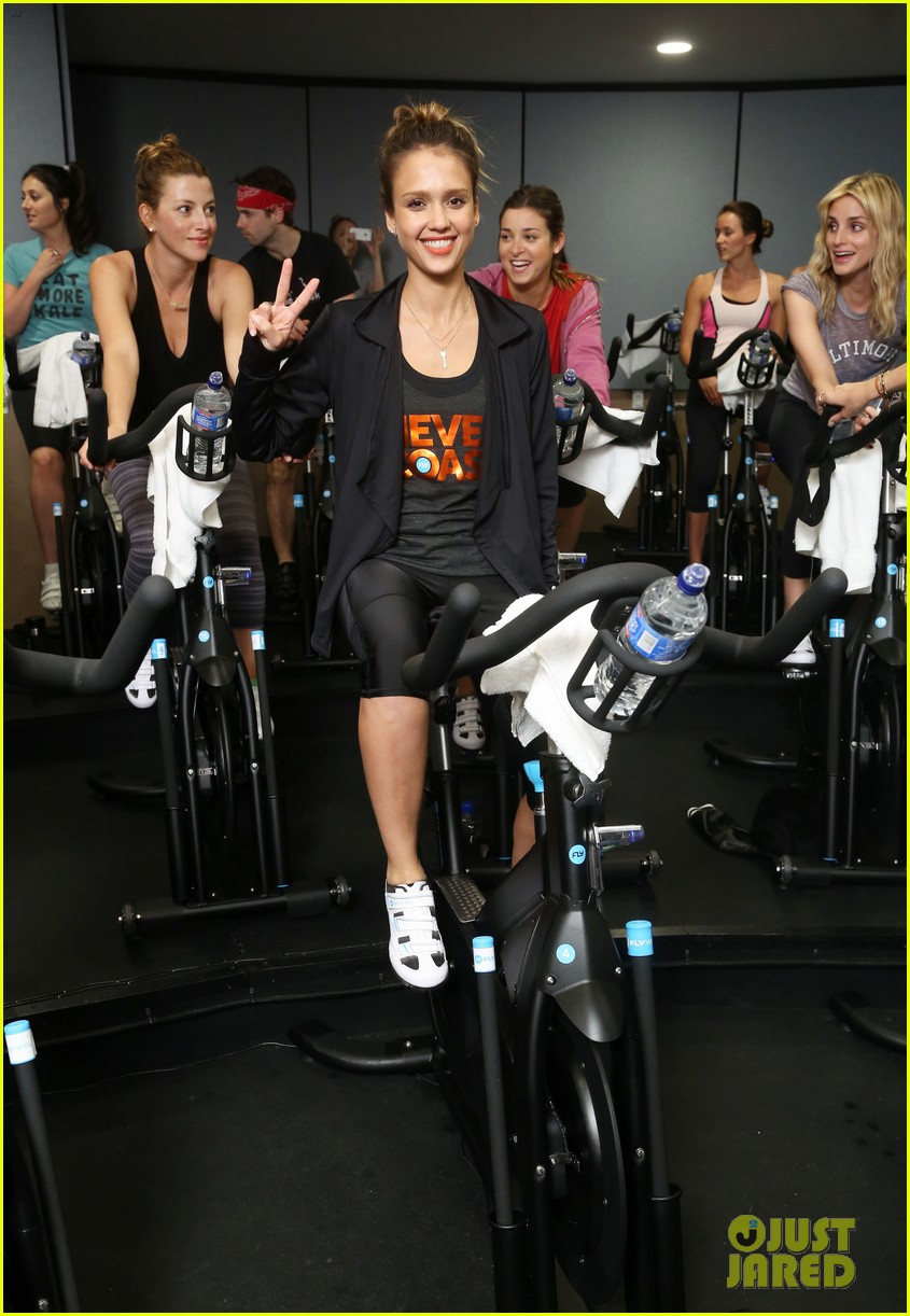 jessica alba cycling fundraiser for baby2baby 202870734