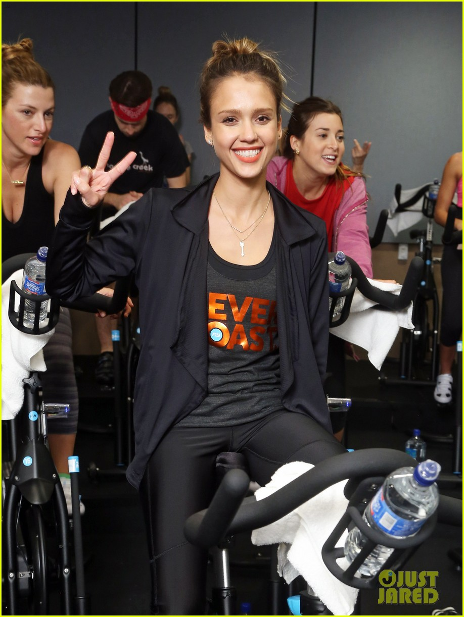 jessica alba cycling fundraiser for baby2baby 262870740