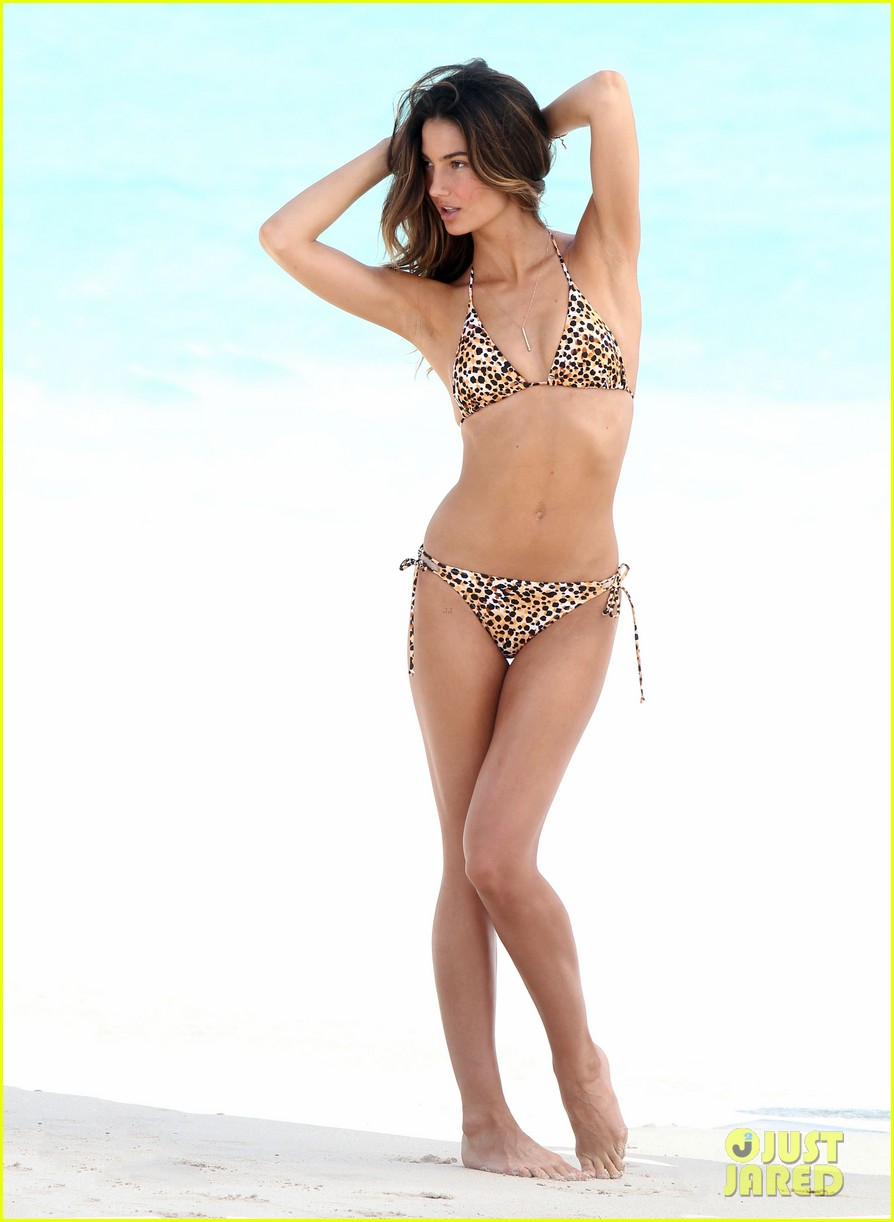 Lily Aldridge Shows Off Svelte Bikini Body For Beach Photo