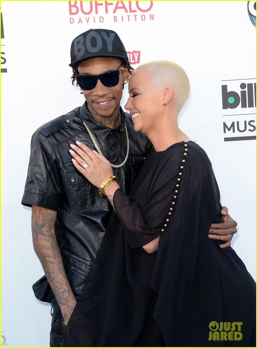 wiz khalifa amber rose billboard music awards 2013 red carpet 062873967