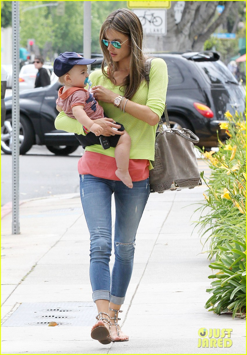 alessandra ambrosio happy early mothers day 012867919