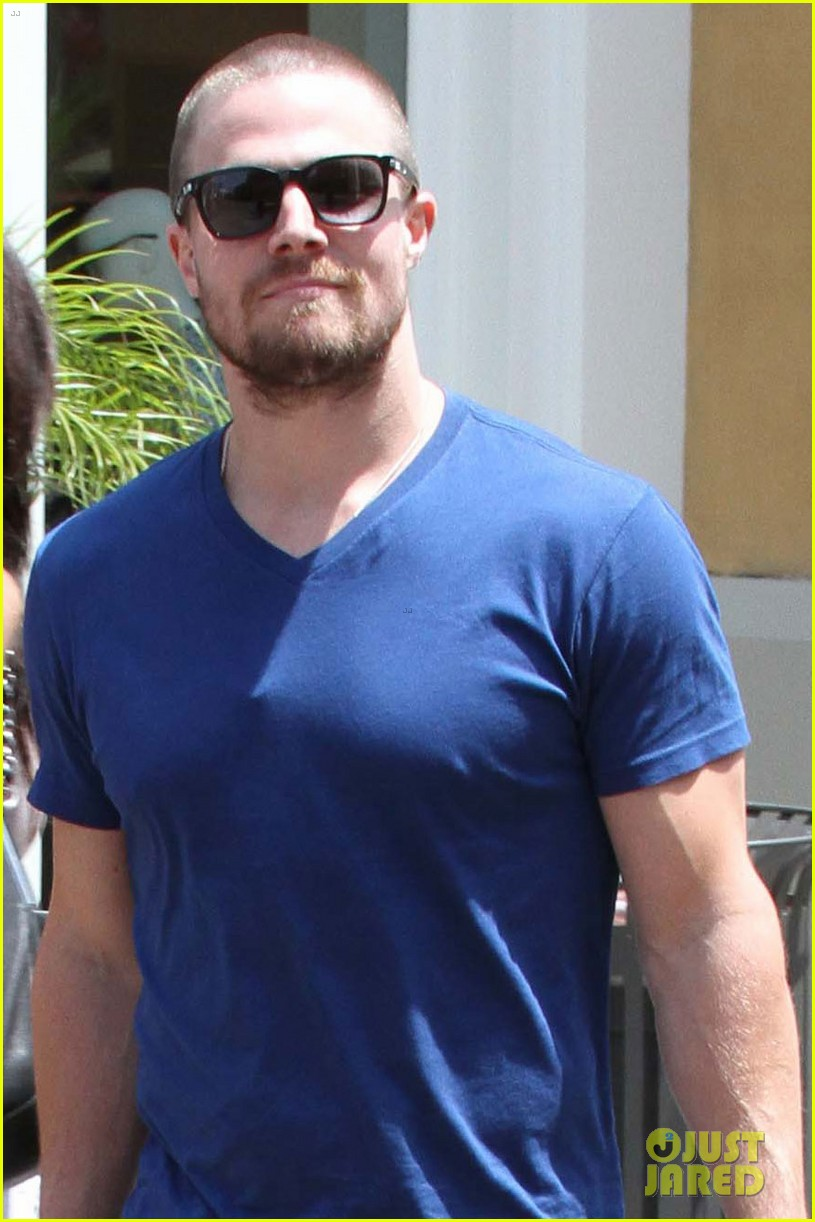 stephen amell christian grey will not be me 01