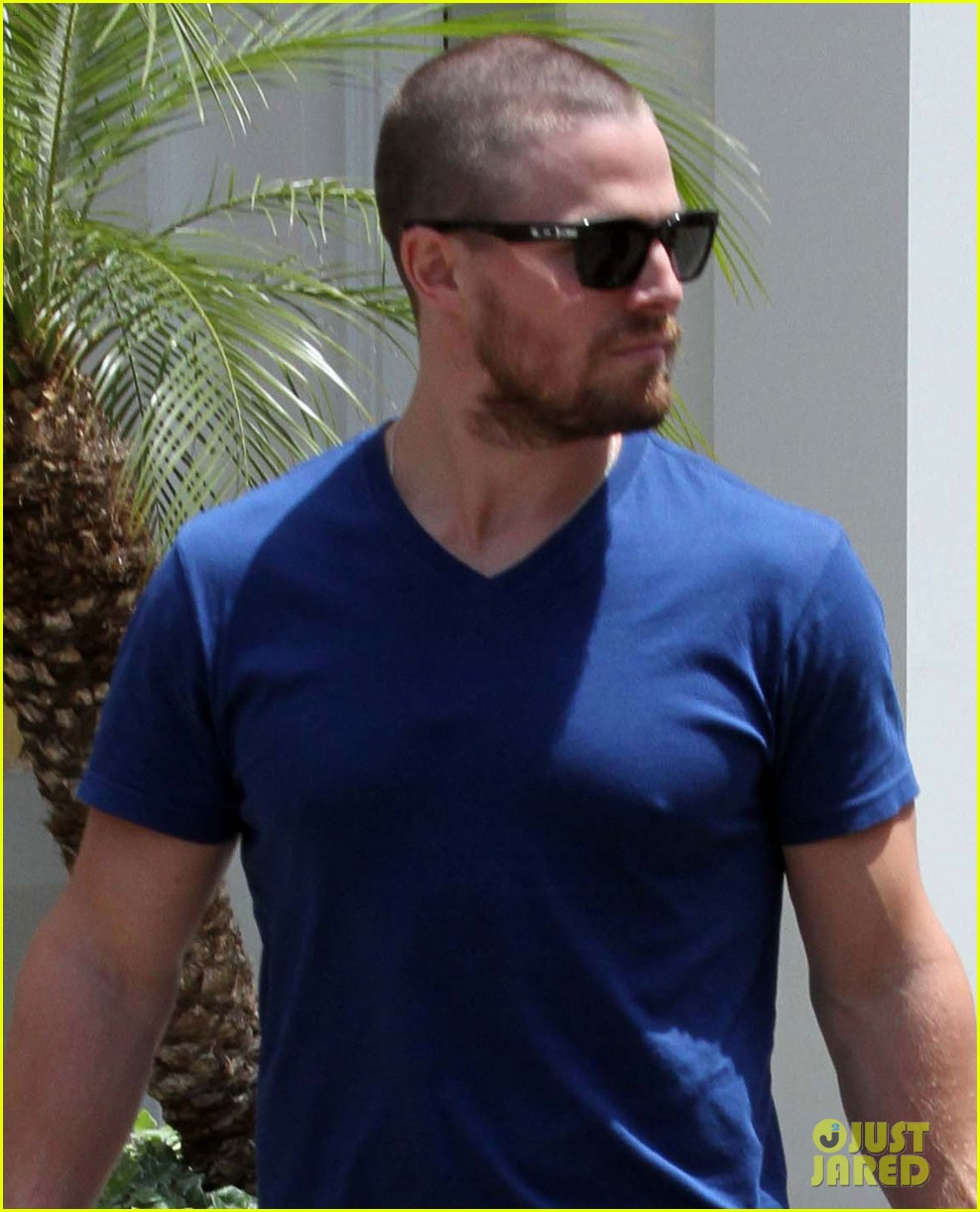 Stephen Amell: Christian Grey Will Not Be Me!: Photo ...