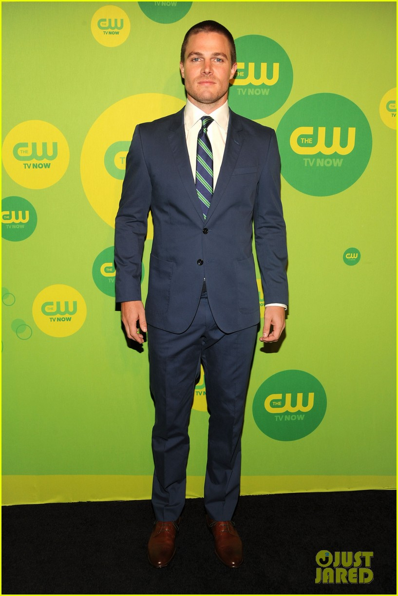 stephen amell colton haynes arrow cw upfront presentation 032871776