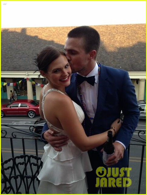 stephen amell cassandrea jean have second wedding2878748