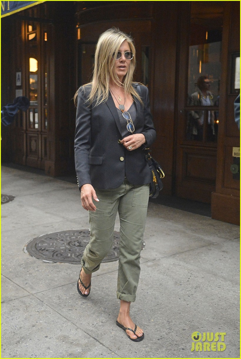 jennifer aniston talks rachel haircut 032867428
