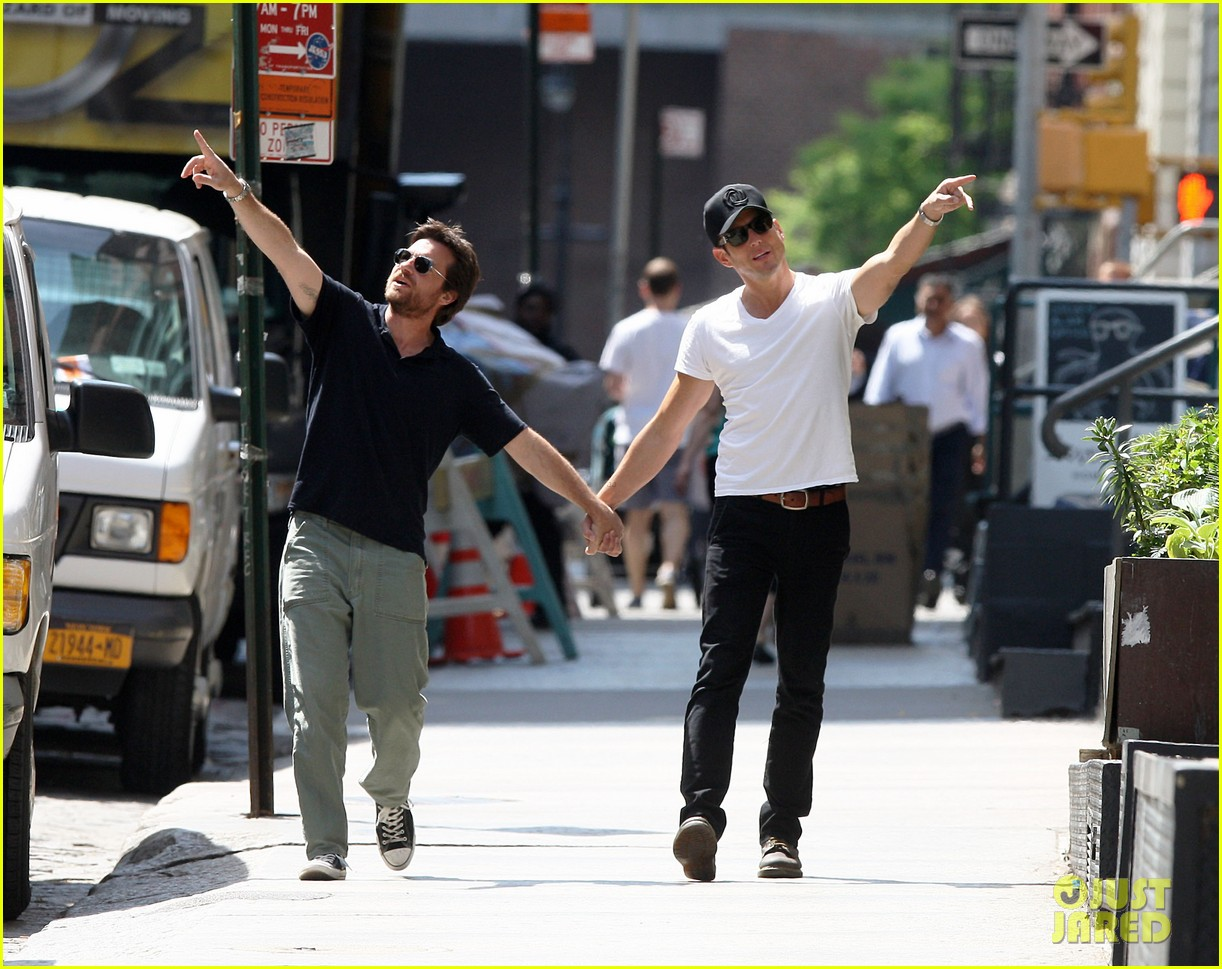 will arnett jason bateman hold hands check out city sights 062872301