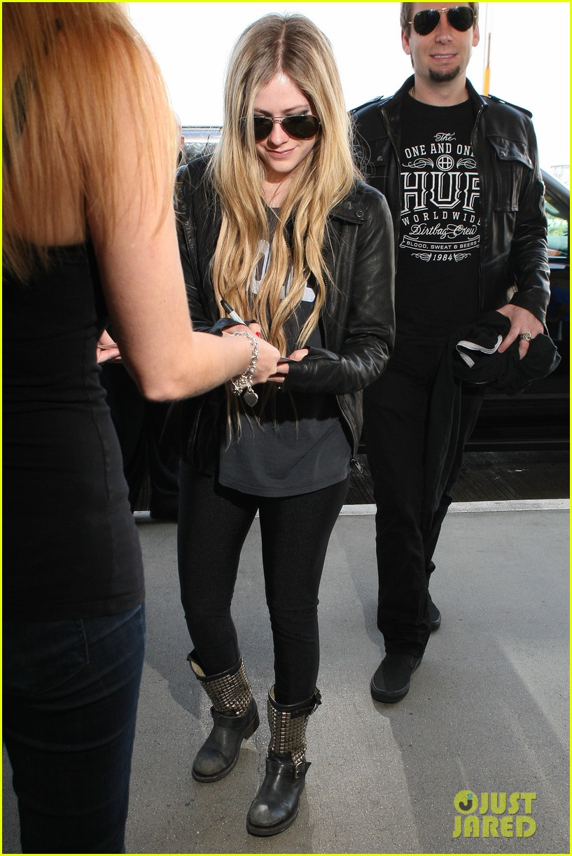 avril lavigne lax arrival after dwts performance 062871662
