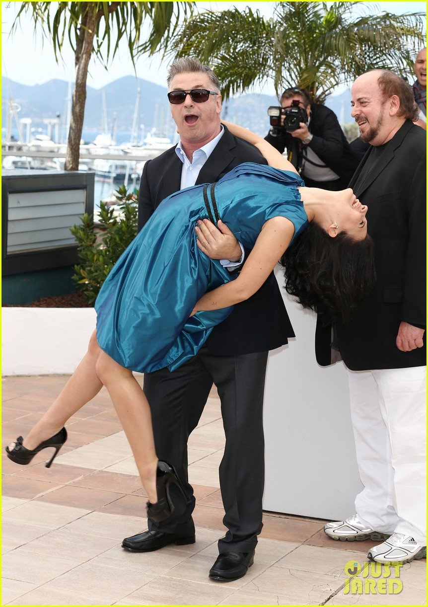 alec hilaria baldwin cannes seduced abandoned photo call 062875350