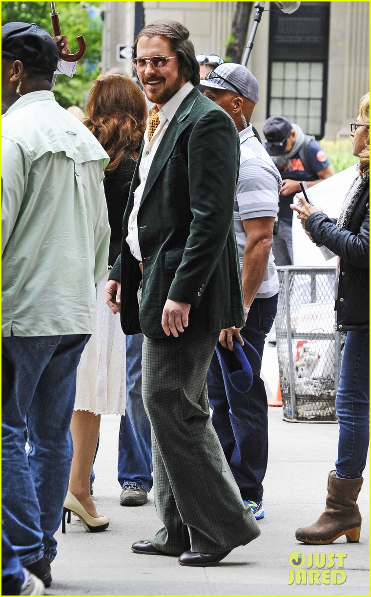 christian bale amy adams dance hold hands on set 092873347