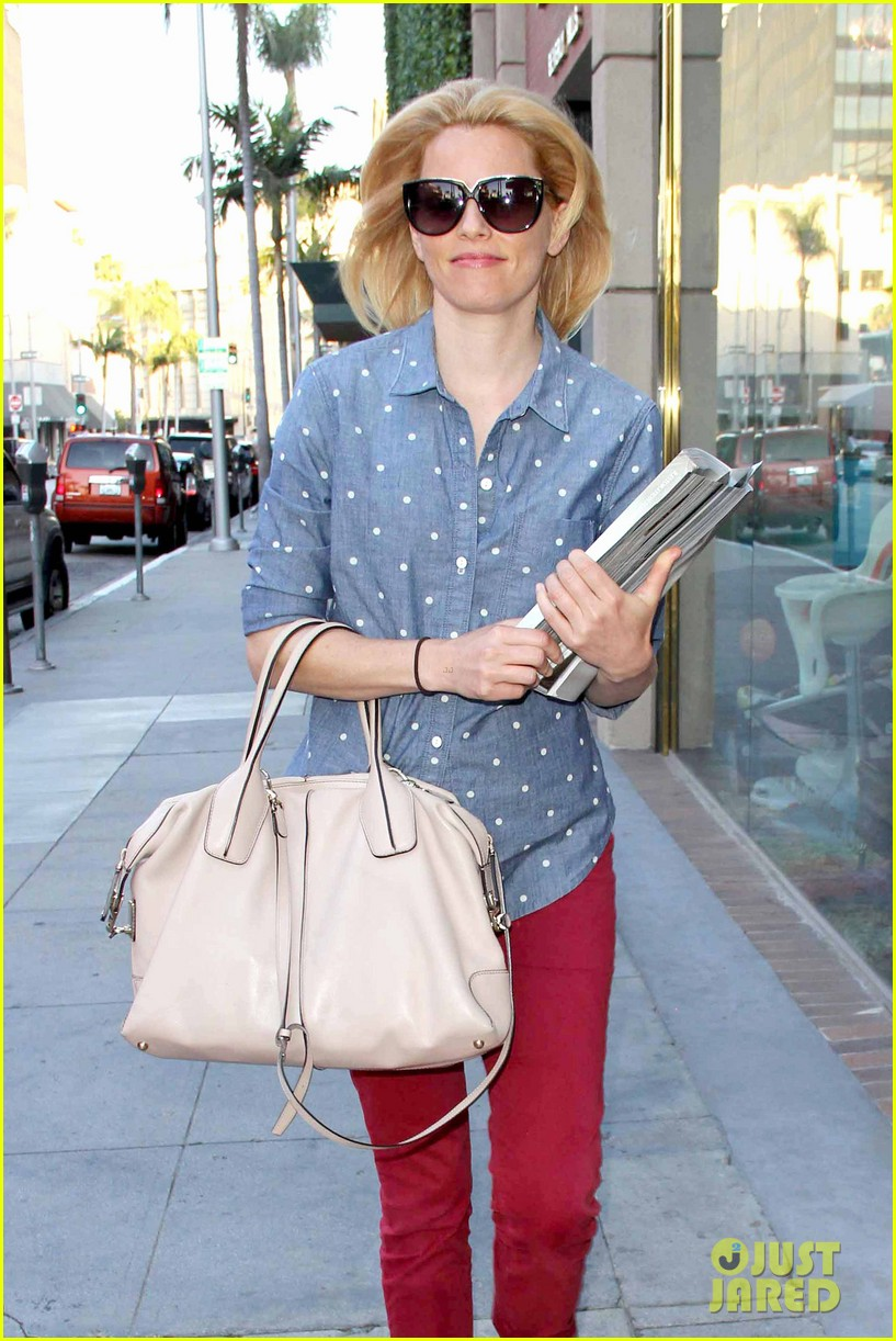 elizabeth banks may the fourth be with you 112862945
