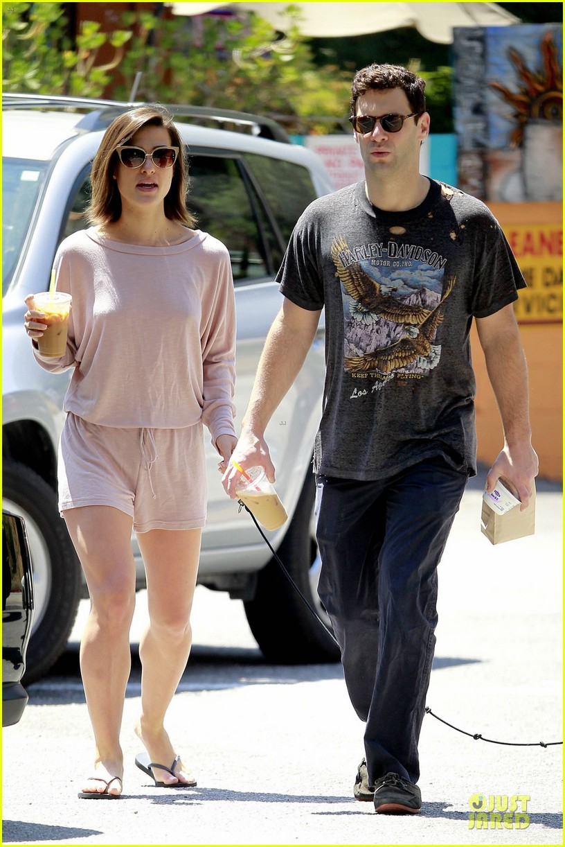 justin bartha lia smith breakfast after engagement 032874255