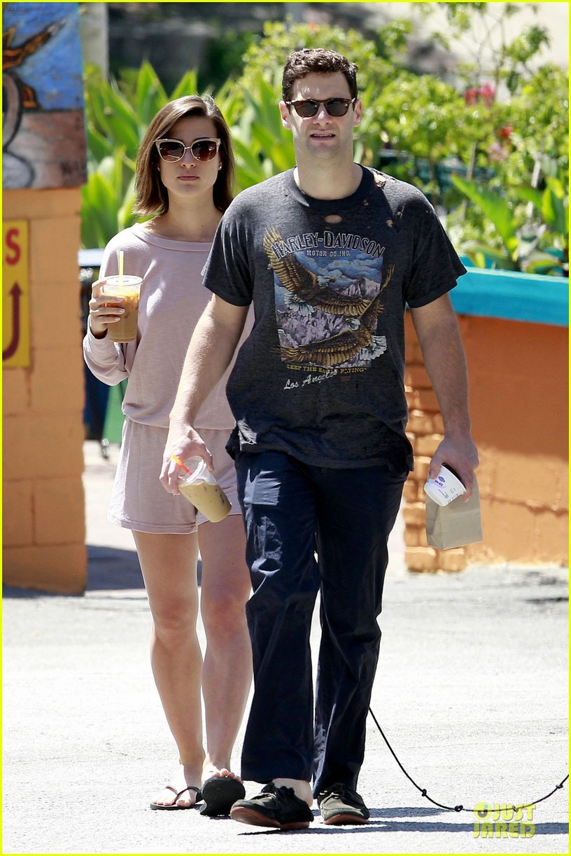 justin bartha lia smith breakfast after engagement 052874257