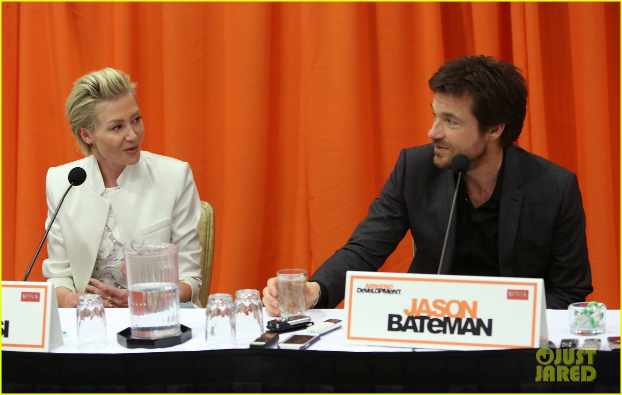 jason bateman portia de rossi arrested development press conference 152863881