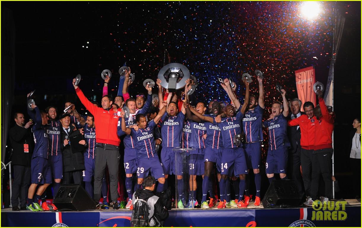 david beckham celebrates final soccer game with family 112873286