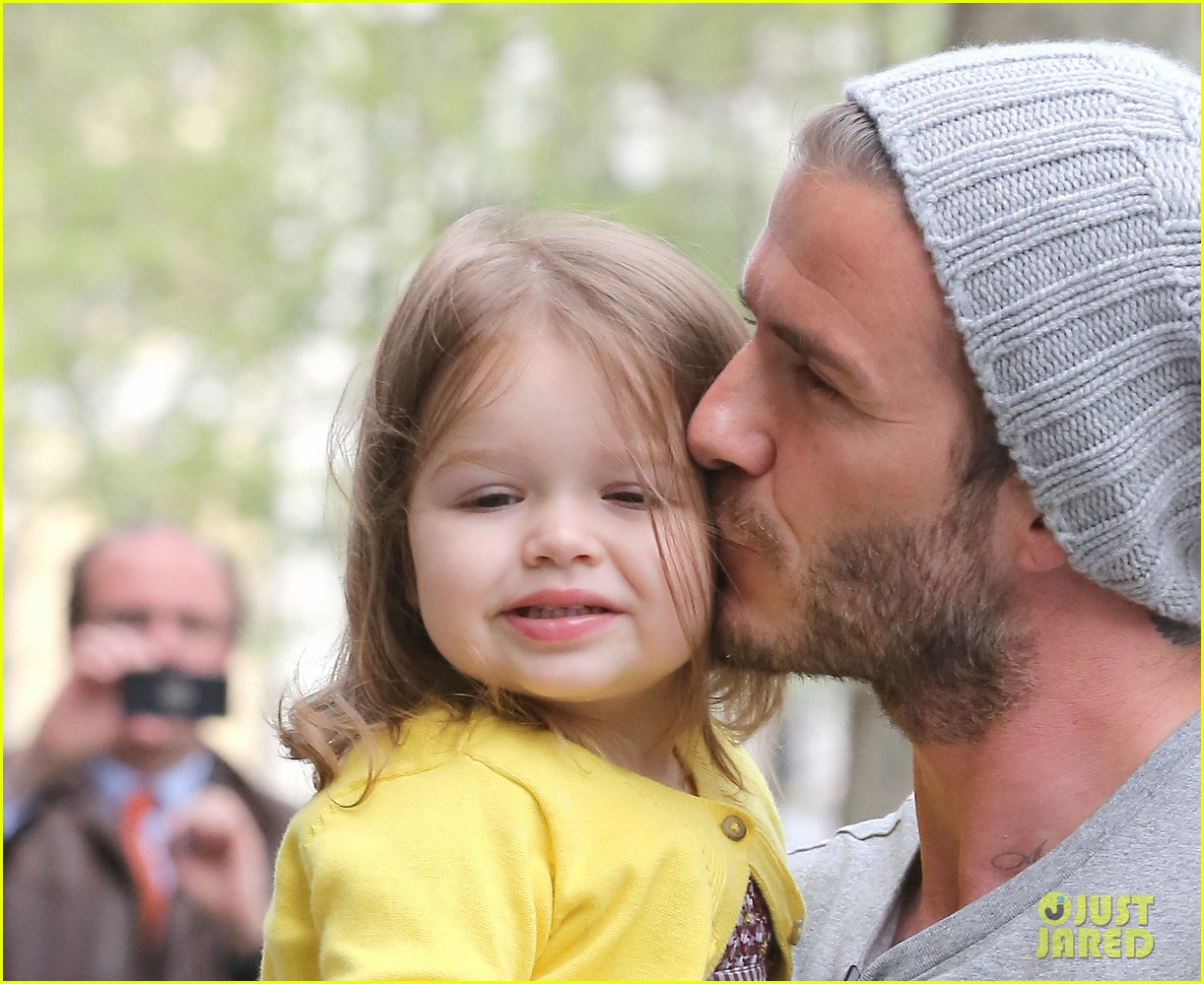 david victoria beckham shopping fun with harper 11