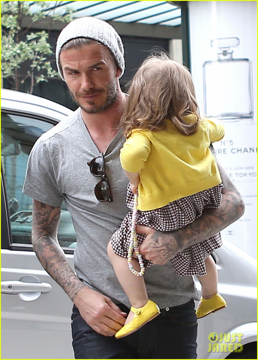 david victoria beckham shopping fun with harper 272862986