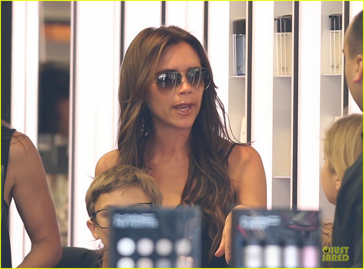victoria david beckham separate shopping trips with the kids 212879617