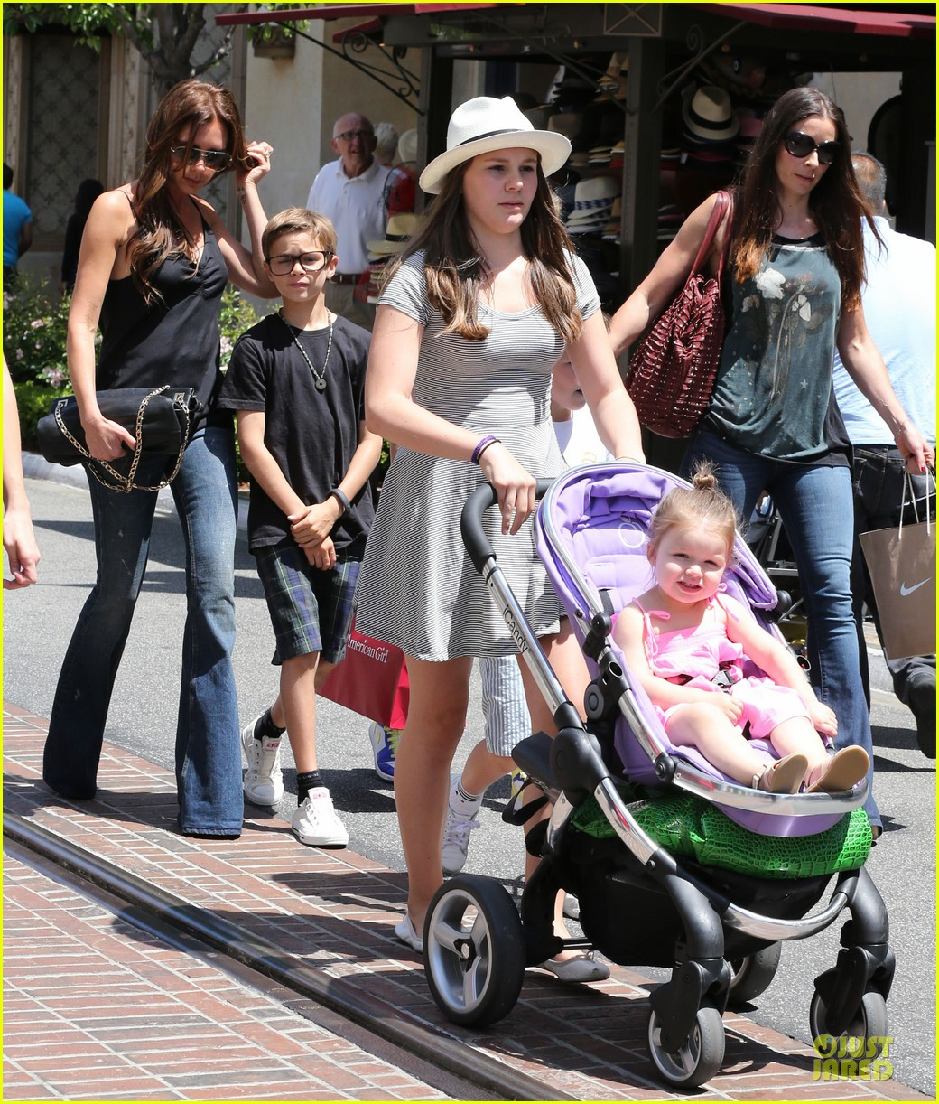 victoria david beckham separate shopping trips with the kids 252879621