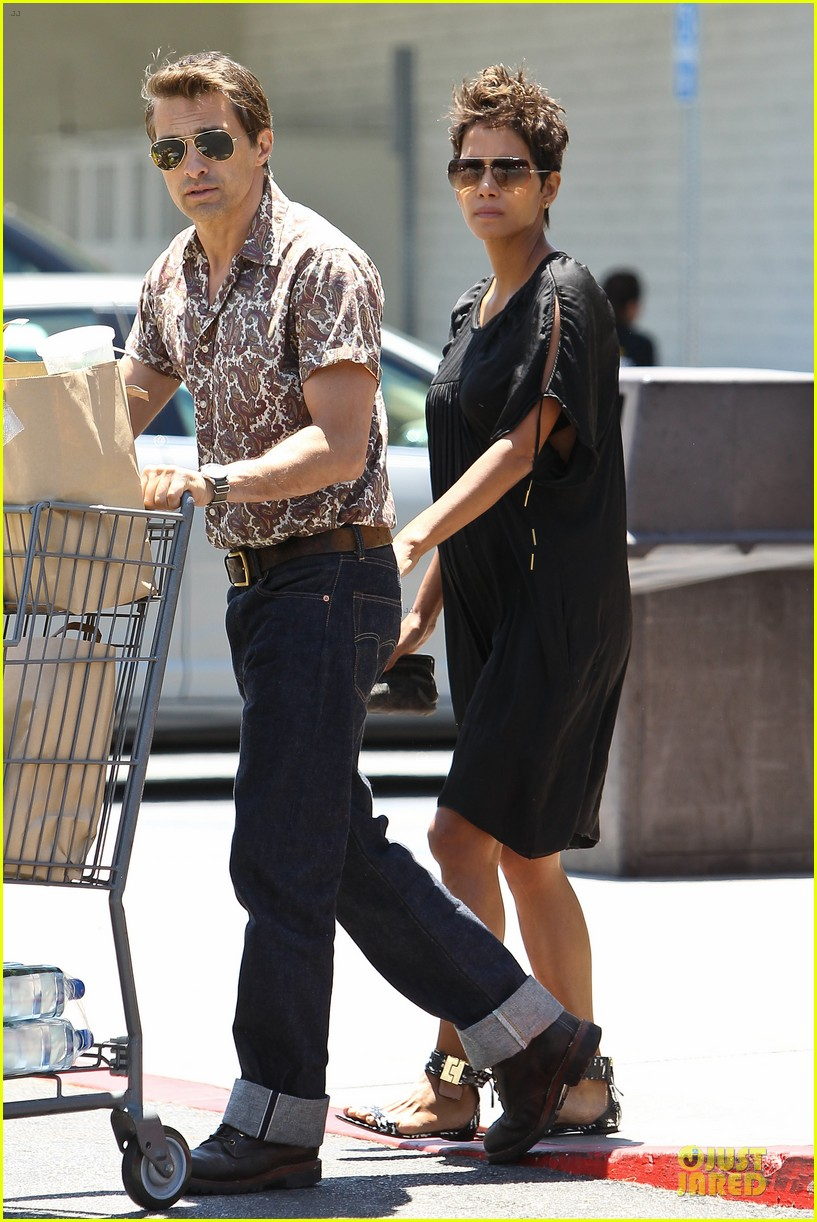 halle berry bel bambini shopping with nahla 032875039