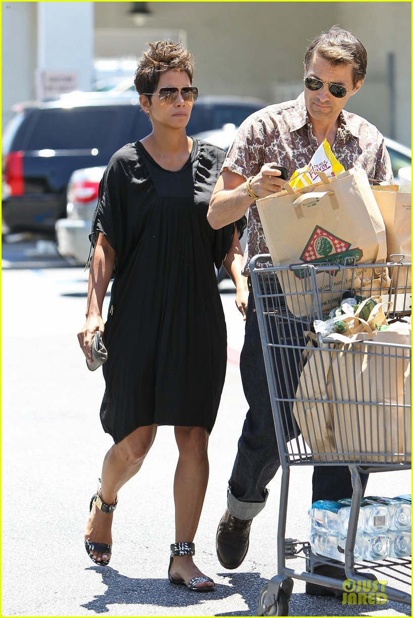 halle berry bel bambini shopping with nahla 152875051