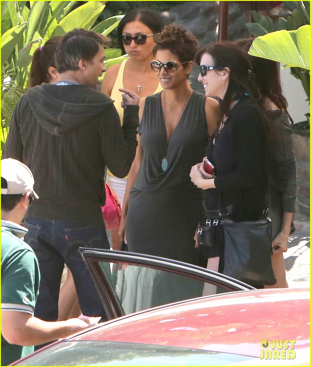 halle berry olivier martinez geoffreys couple 022874518