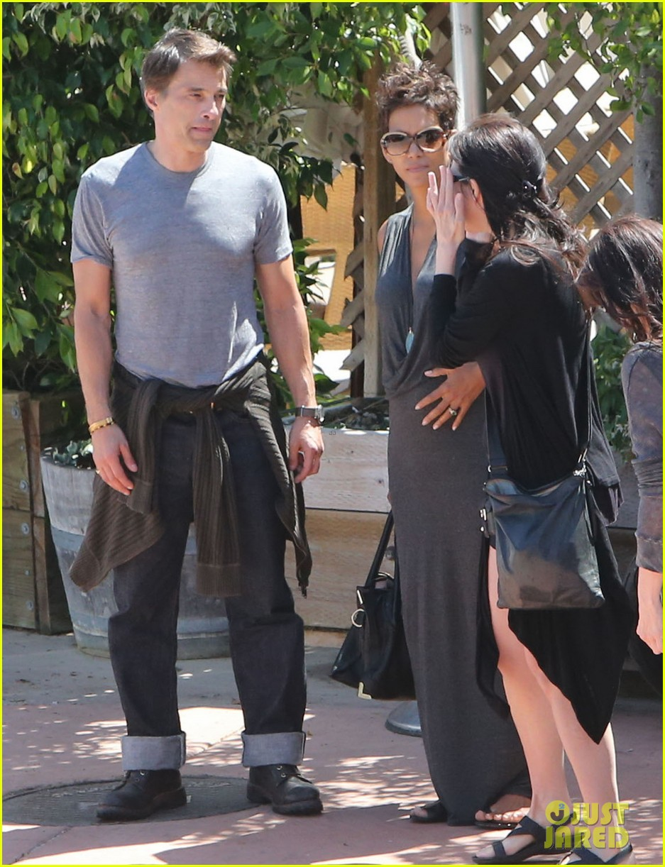 halle berry olivier martinez geoffreys couple 04